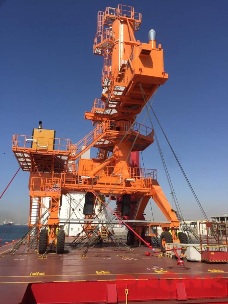 Ship loader lashing with 16mm steel wire rope BBC (3)